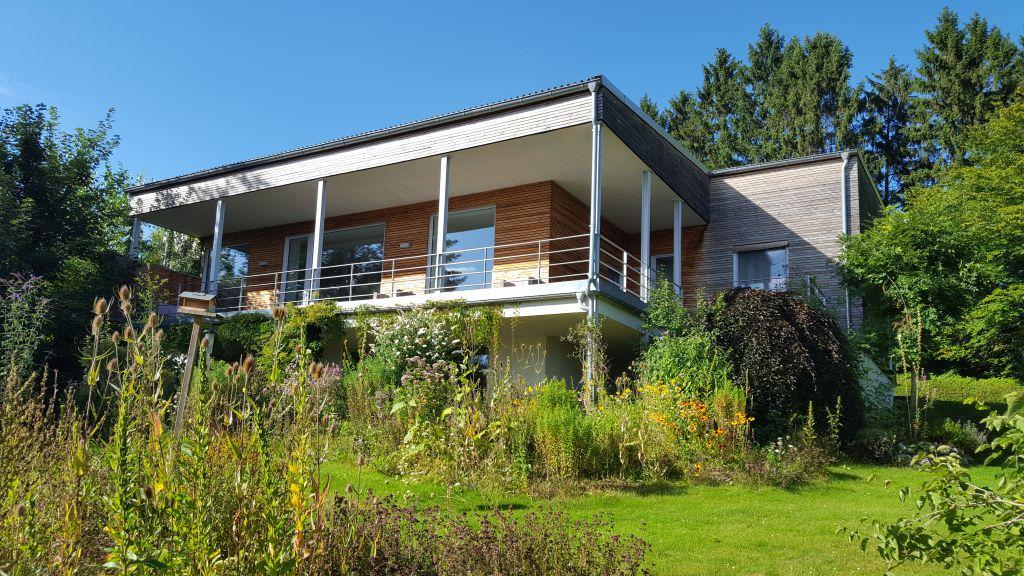 sanierung eines flachdach einfamilienhauses zum pultdach plusenergiehaus 3n kompetenzzentrum. Black Bedroom Furniture Sets. Home Design Ideas
